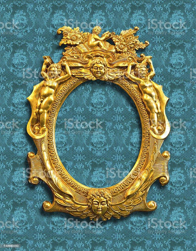 Scultura dorata montatura con clipping path foto stock royalty-free