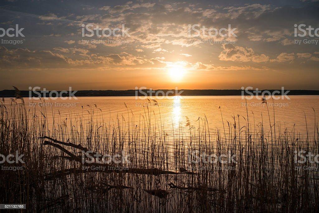 Goldener Sonnenuntergang am Ammersee stock photo