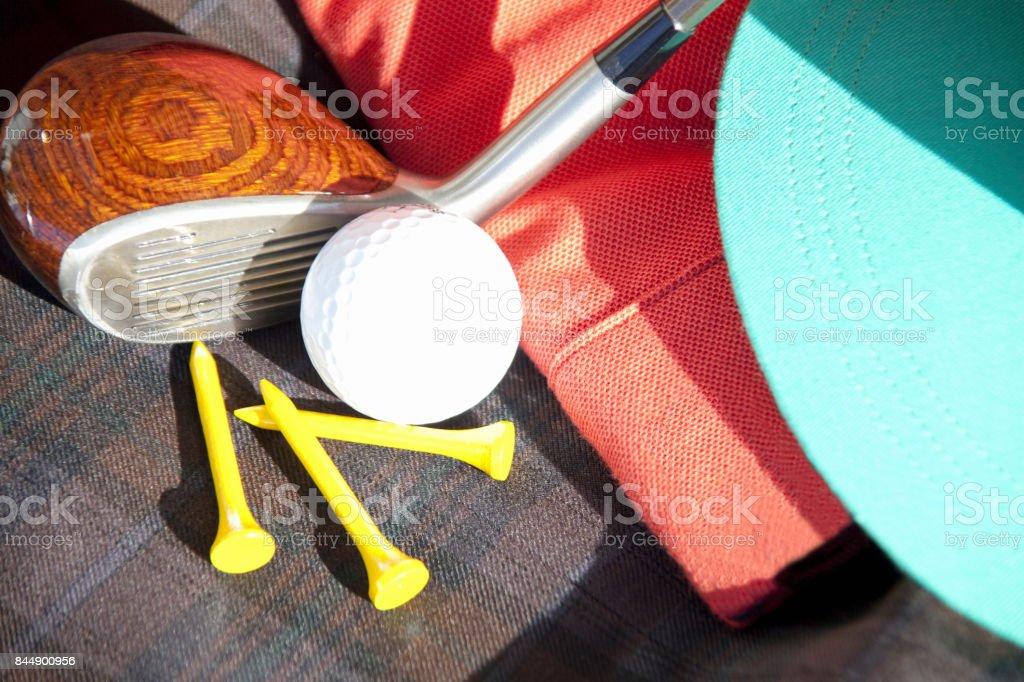 Golf equipment and golf balls