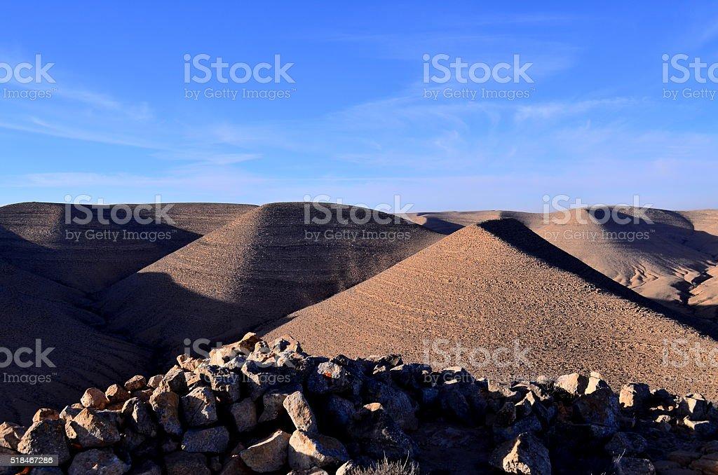 Bueno, en el desierto por la mañana foto de stock libre de derechos