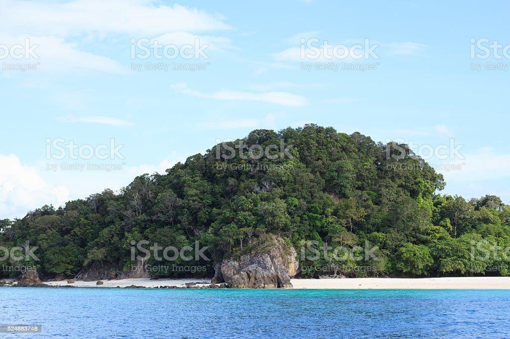Великолепный пляж и тропические моря в летний голубой Стоковые фото Стоковая фотография