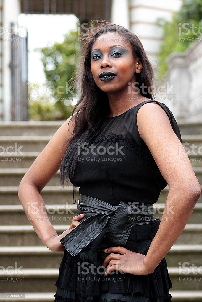 Bellezza gotica in nero abito foto stock royalty-free
