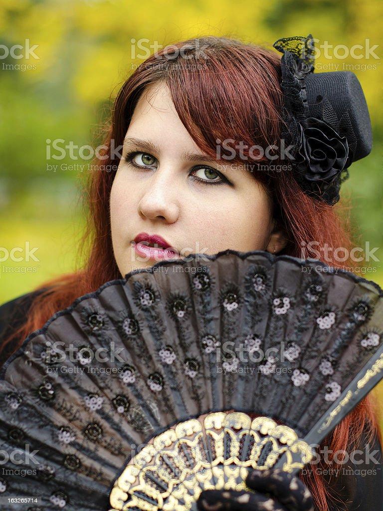 Fille gothique sur Halloween photo libre de droits