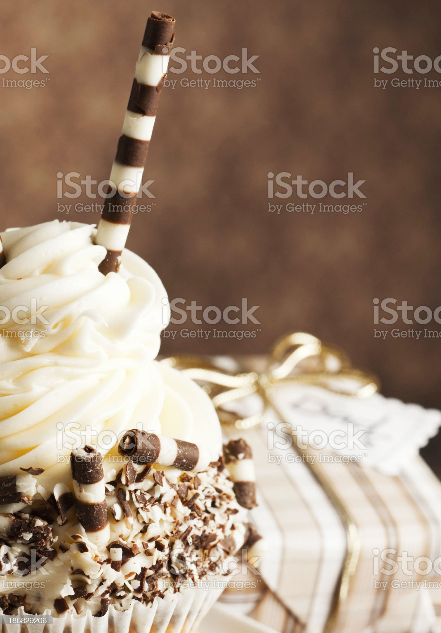 Gourmet Cupcake and Gift for Dad royalty-free stock photo
