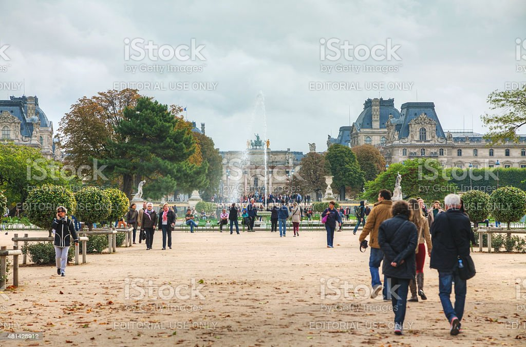 Grand Bassin Rond and Arc de Triomphe du Carrousel stock photo
