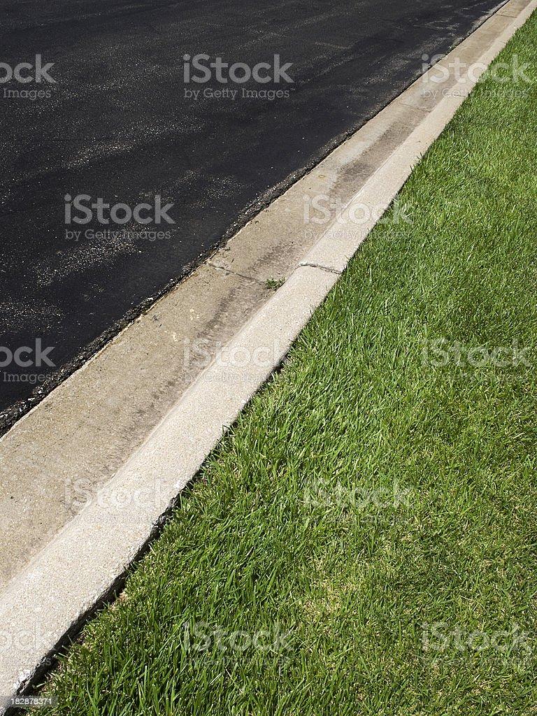 Graphique Illustration d'asphalte, de ciment et herbe verte Détails contrastés photo libre de droits
