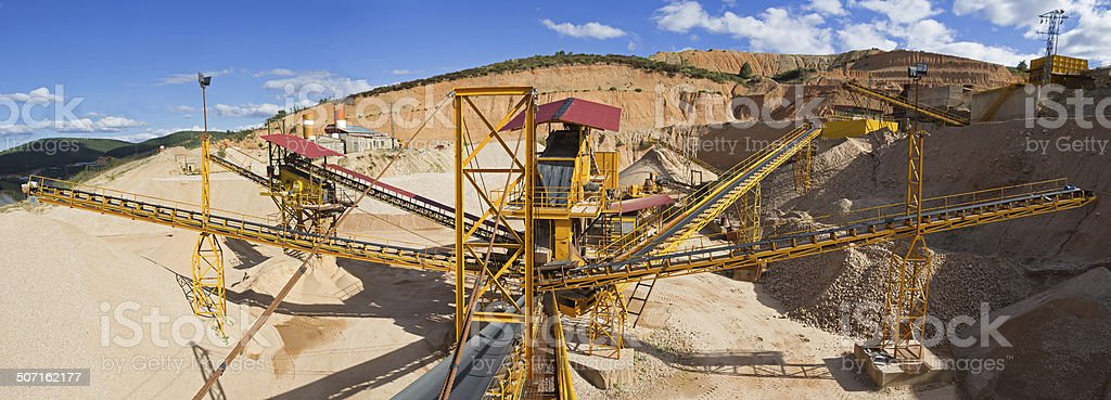 Gravel aggregate extraction - Gravera de extraccion de aridos stock photo