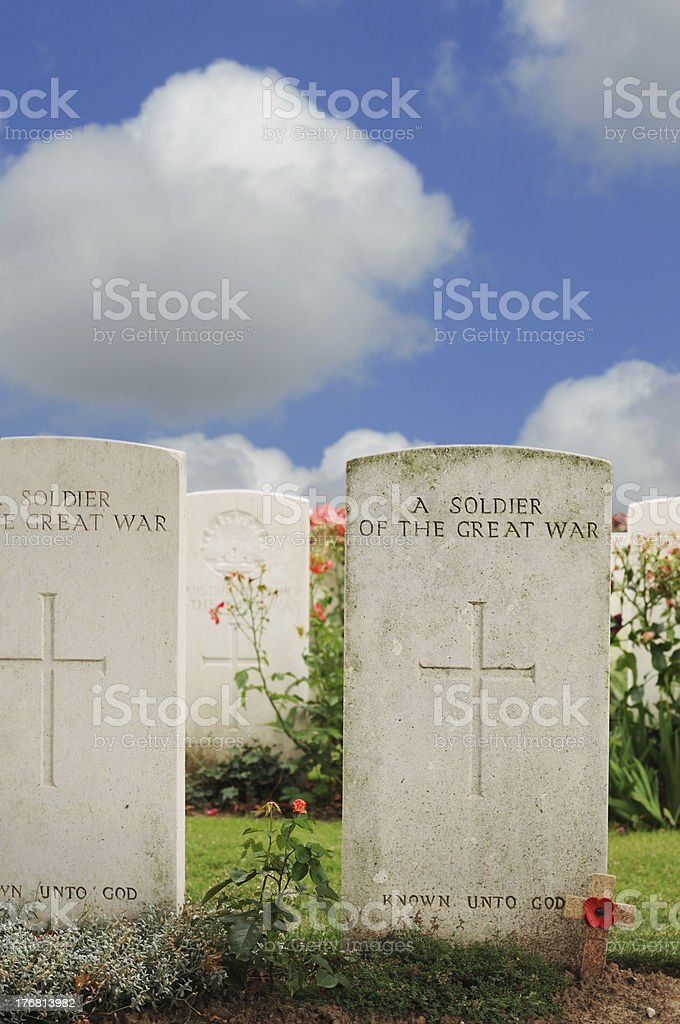 Graves of unknown soldiers at Tyne Cot cemetery, Flanders stock photo