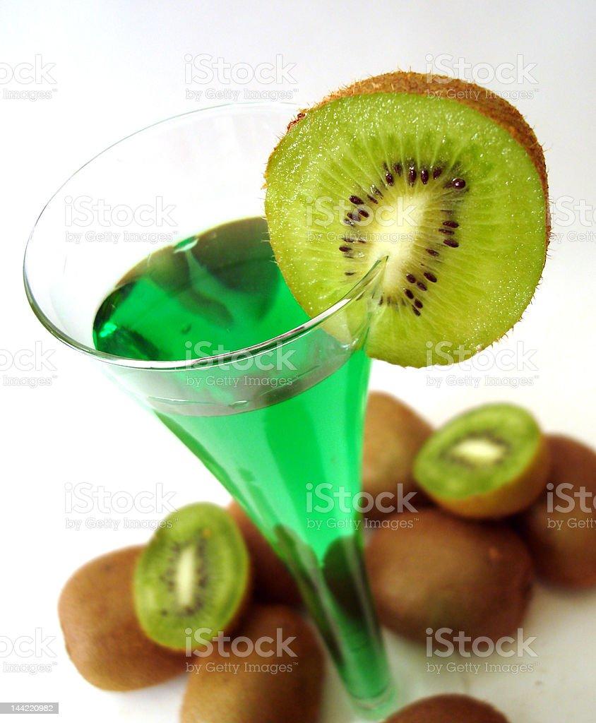cocktail verde com Quivi foto de stock royalty-free
