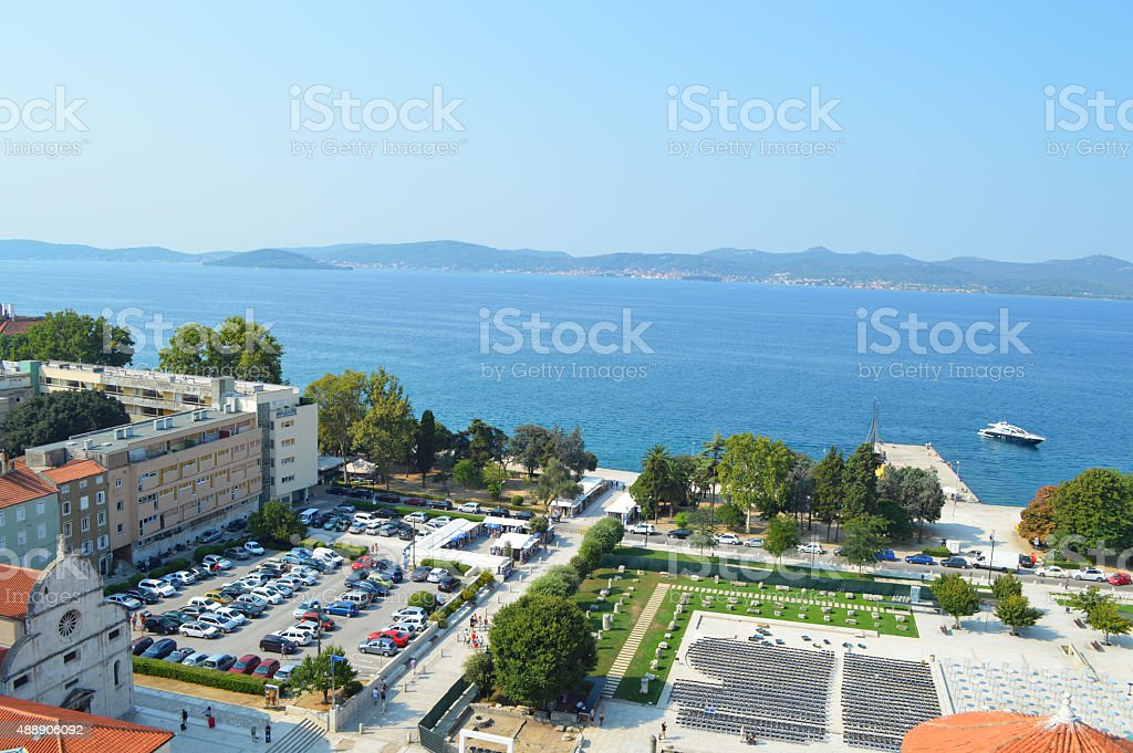Green Plaza en Zadar foro romano foto de stock libre de derechos