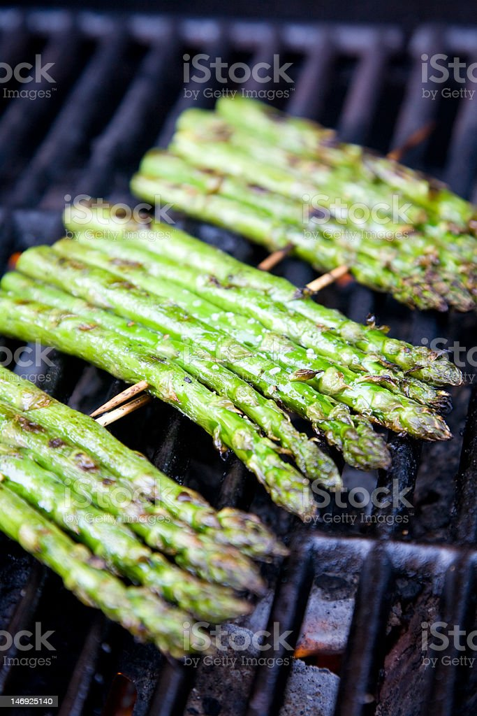 grilled asparagus stock photo