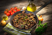 Grilled liver with onion