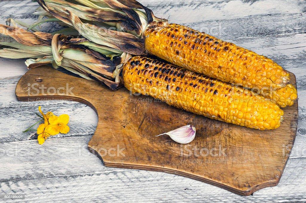 Grilled sweet corn cobs foto de stock royalty-free