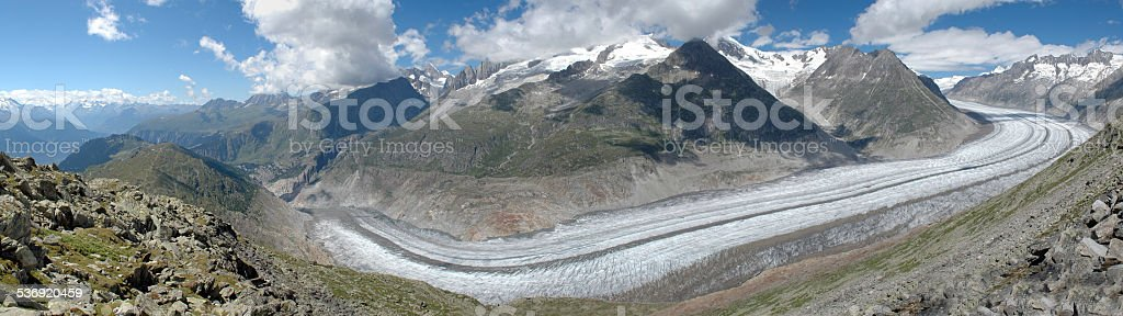 Grosser Aletschgletscher - Ewiges Eis, schroffe Berge stock photo