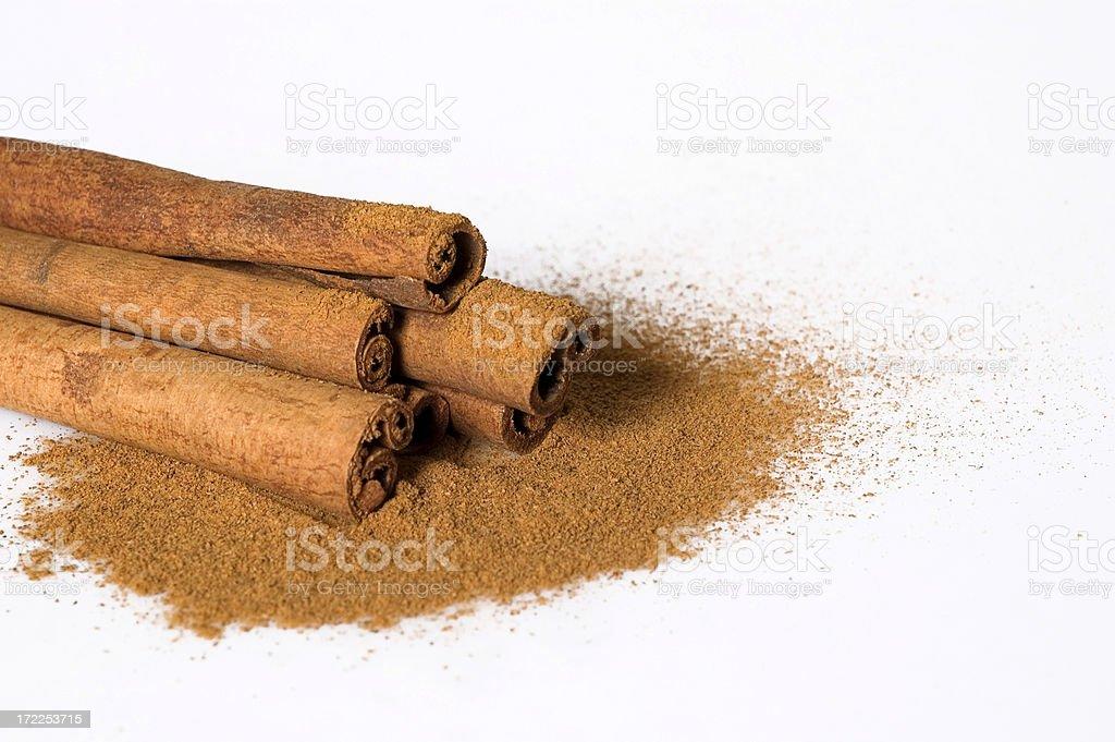 ground and cinnamon sticks royalty-free stock photo