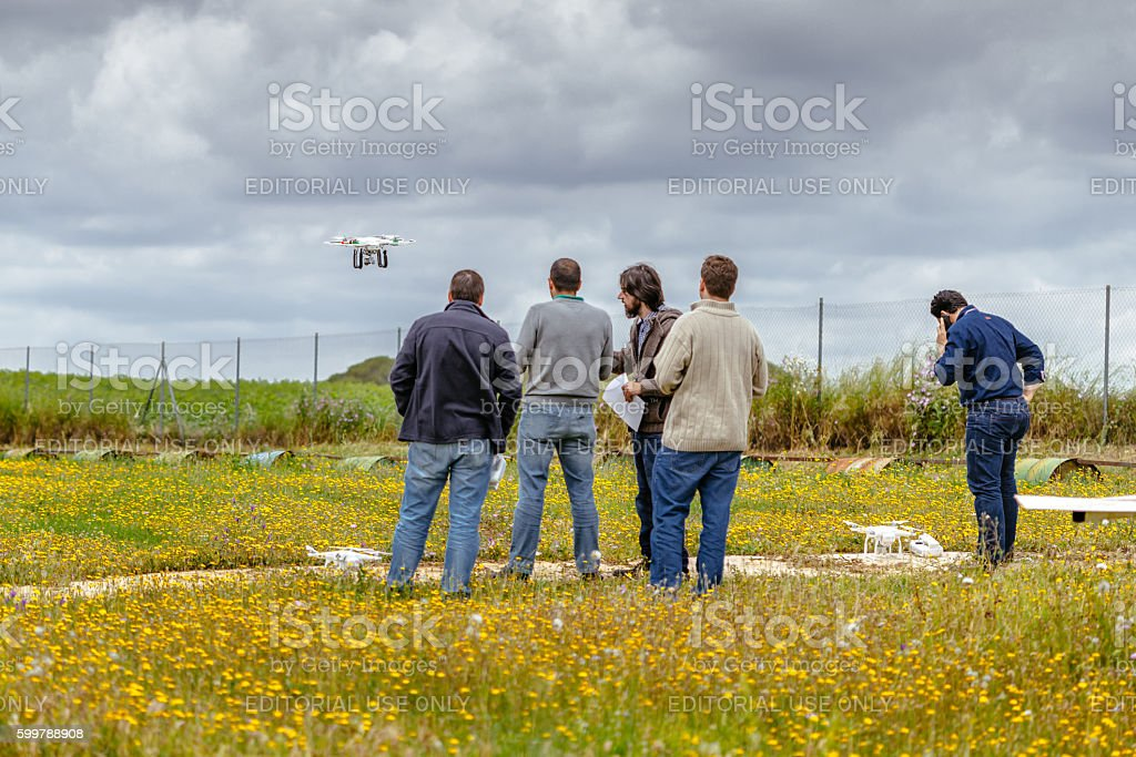 Group of persons making drone training course, La Juliana Aerodrome foto royalty-free