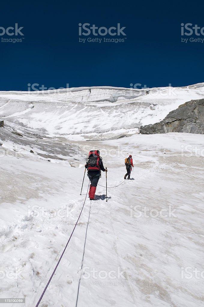 Gruppe von Bergsteiger am Gletscher royalty-free stock photo