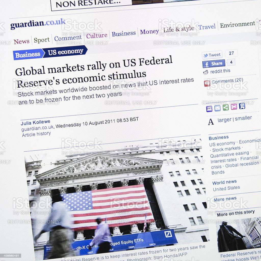 Guardian.co.uk show news about US global market crisis stock photo