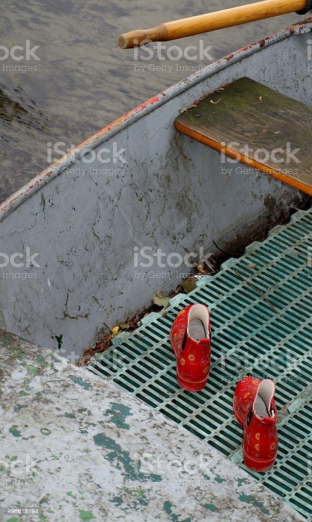 Gummistiefel im Boot stock photo