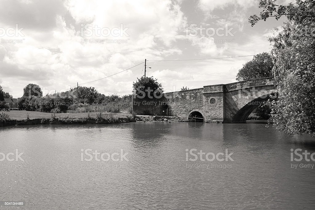 Halfpenny o Ponte Ha'Penny in Lechlade.  Gloucestershire foto stock royalty-free