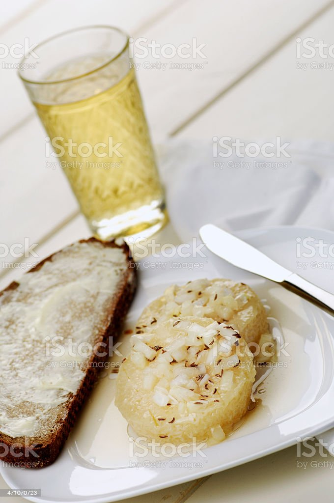 Handk?s?mit Musik - Cider + cheese royalty-free stock photo
