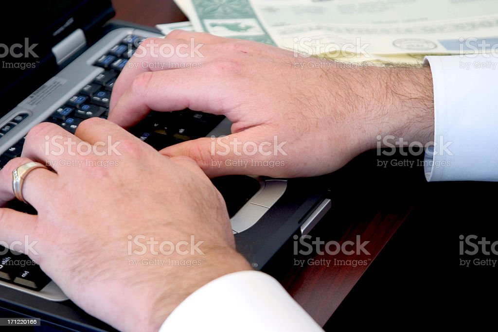 Mani sulla tastiera foto stock royalty-free