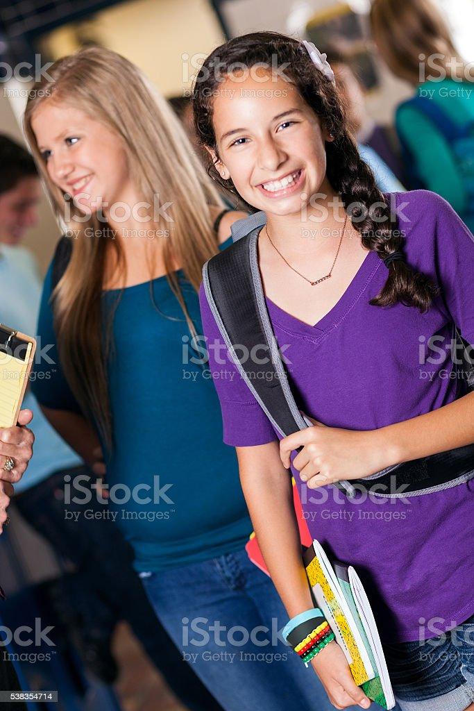 Брюнетка в школе фото 658-187