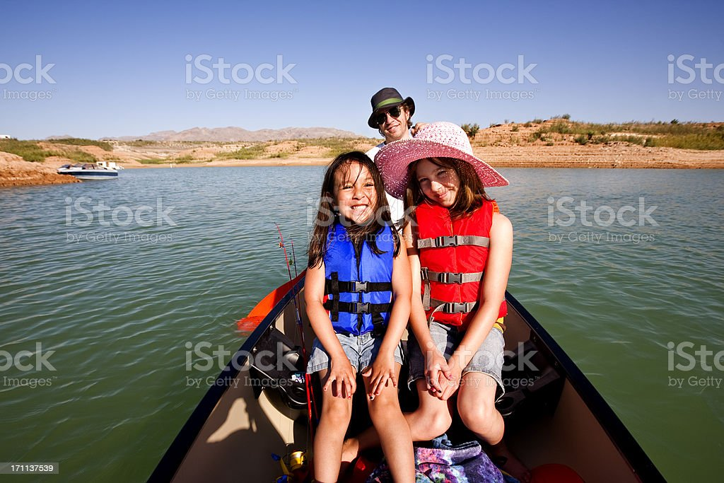 Happy Family Vacation: Canoeing at Lake Mead in Nevada stock photo