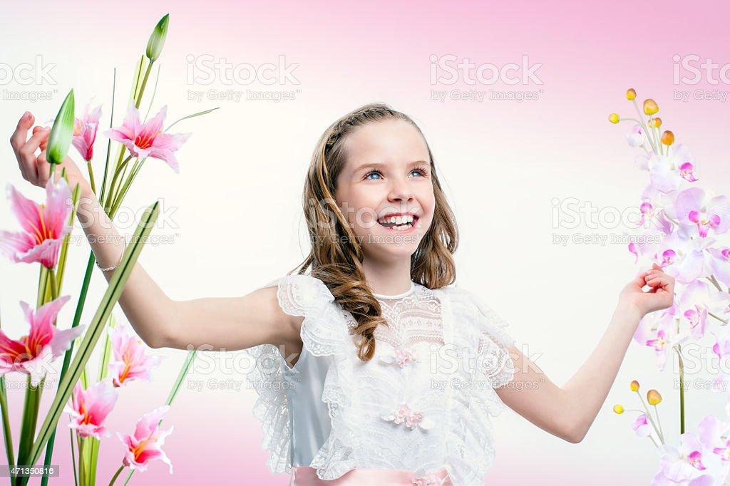 Heureux jeune communion fille. photo libre de droits
