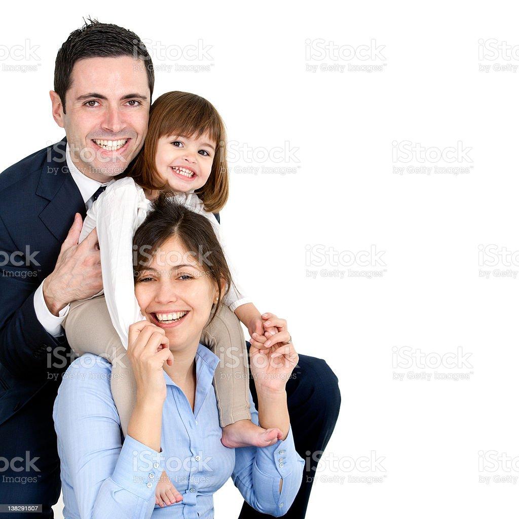 Heureux jeune couple avec leur petite fille photo libre de droits