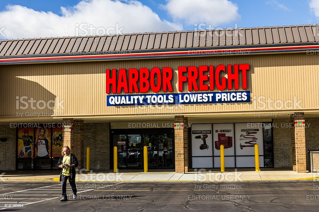 Harbor Freight Tools Strip Mall Location I stock photo