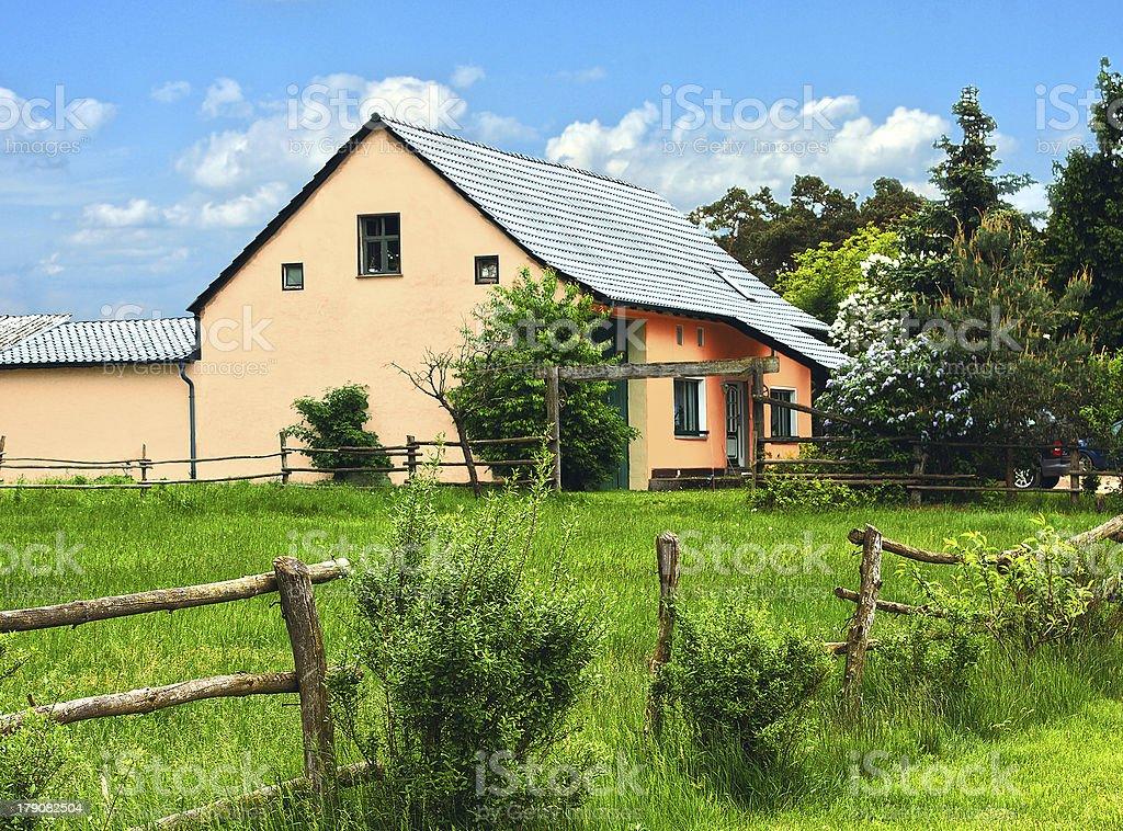 Haus im Grünen stock photo