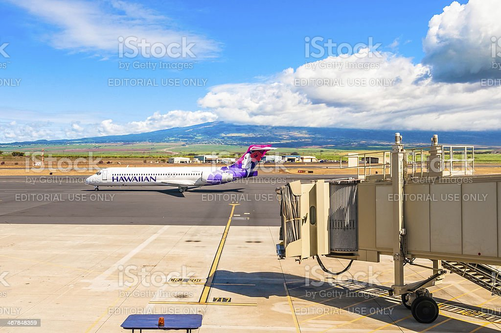 Hawaiian Airline Boeing 717-200 at Kahului Airport in Maui stock photo