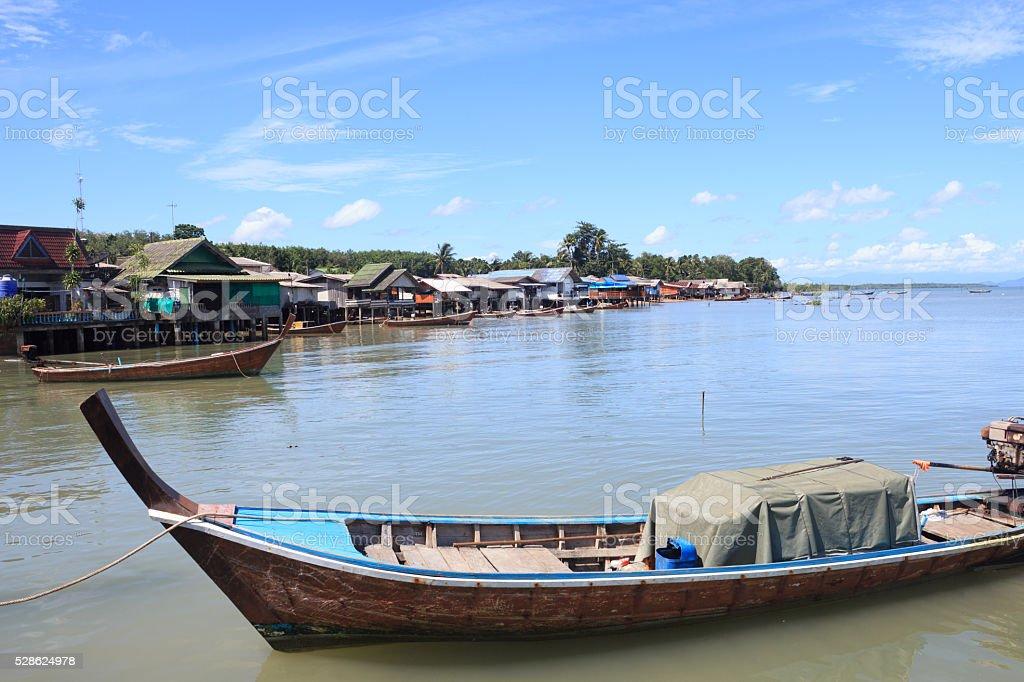 Руководитель Длиннохвостая лодка с грузов в море, Таиланд Стоковые фото Стоковая фотография