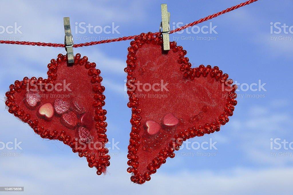 Coeur sur une corde à linge photo libre de droits