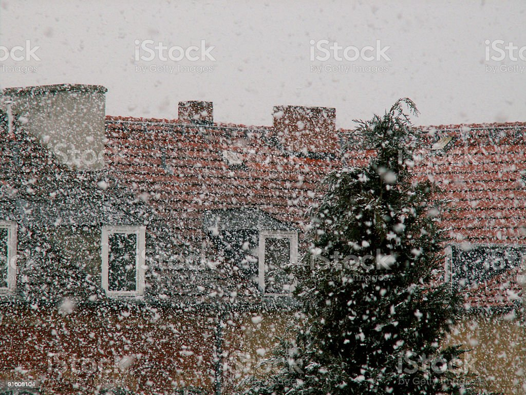 Heavy snowfall in April - Starker Schneefall im Frühling royalty-free stock photo