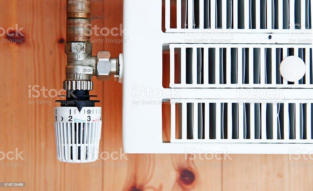 Heizkörper mit Absperrventil stock photo