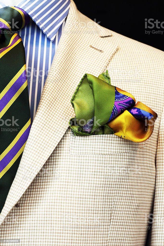 Herrenjacket mit Einstecktuch, Schlips und Hemd stock photo