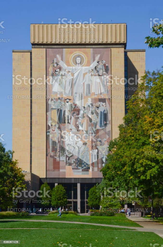 Hesburgh Library and Touchdown Jesus at University of Notr stock photo
