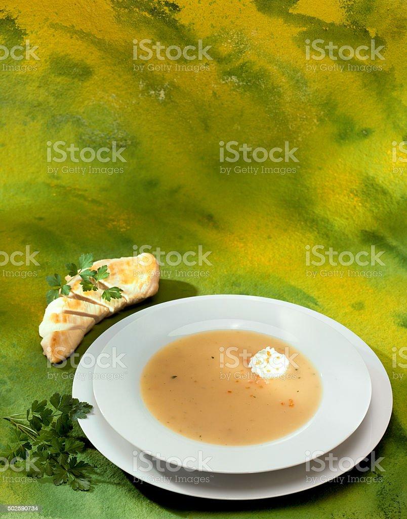 Hühnersuppe in weissem Teller stock photo