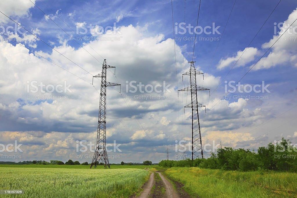 高電圧電源ライン ロイヤリティフリーストックフォト