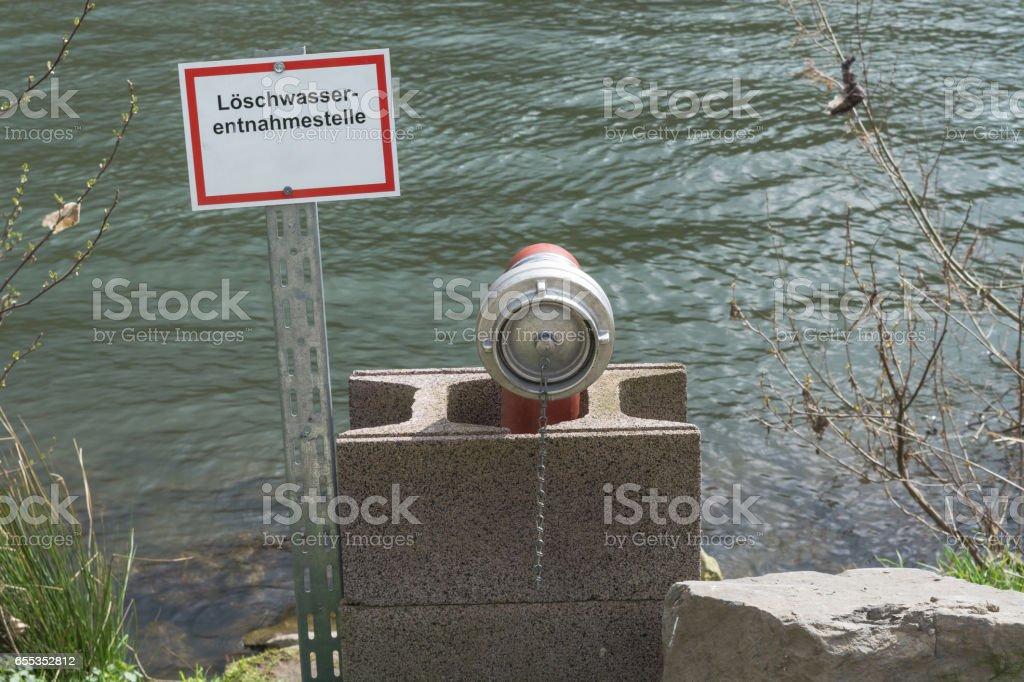 Hinweistafel mit Aufschrift in Deutsch stock photo