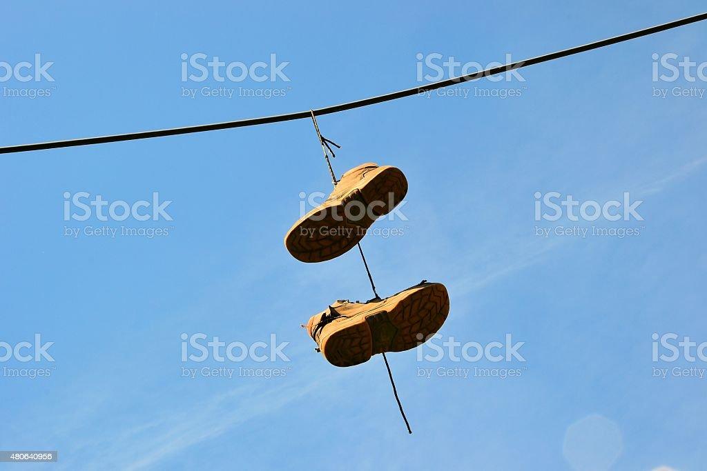hängende Schuhe stock photo