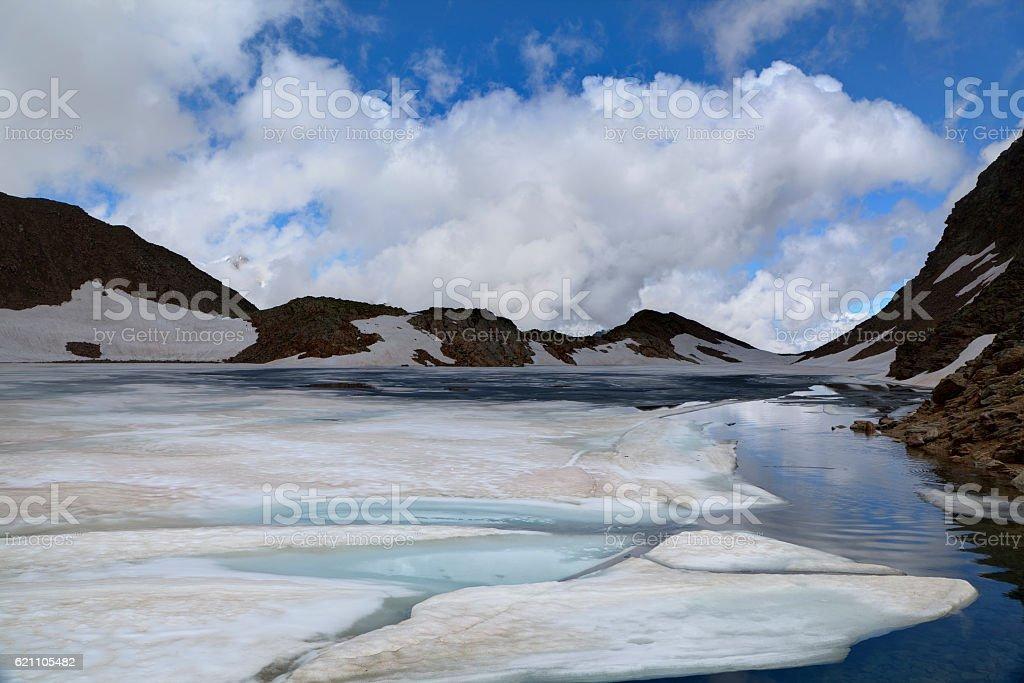Hochgebirge See im Sommer stock photo
