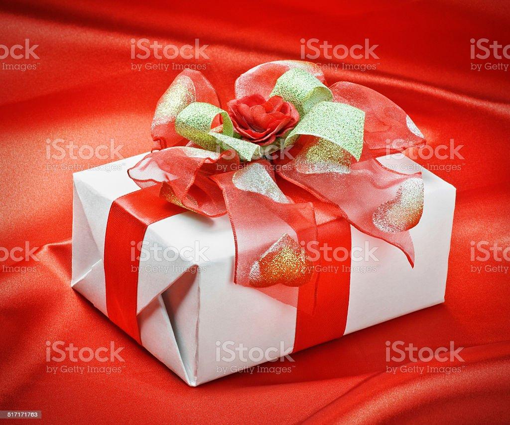 Подарок на праздник фото