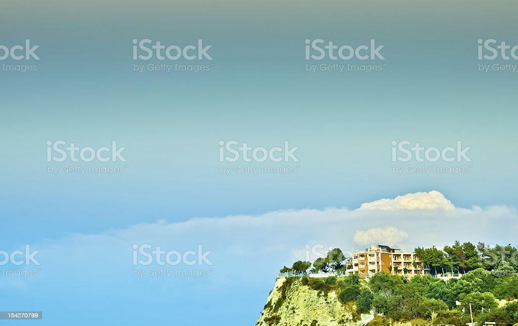 Holiday resort auf dem blauen Himmel Hintergrund Lizenzfreies stock-foto