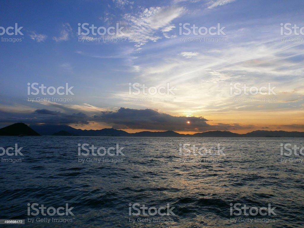 Bahía de Hong Kong al atardecer Belchers foto de stock libre de derechos