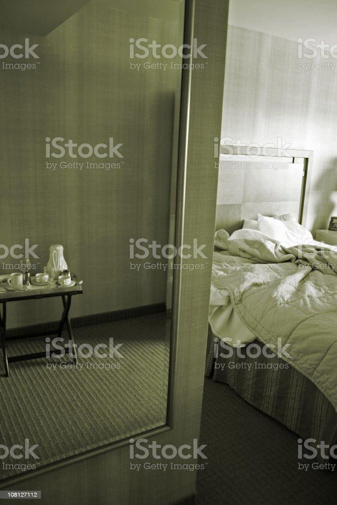 Chambre d'hôtel à nous interpeller sur photo libre de droits