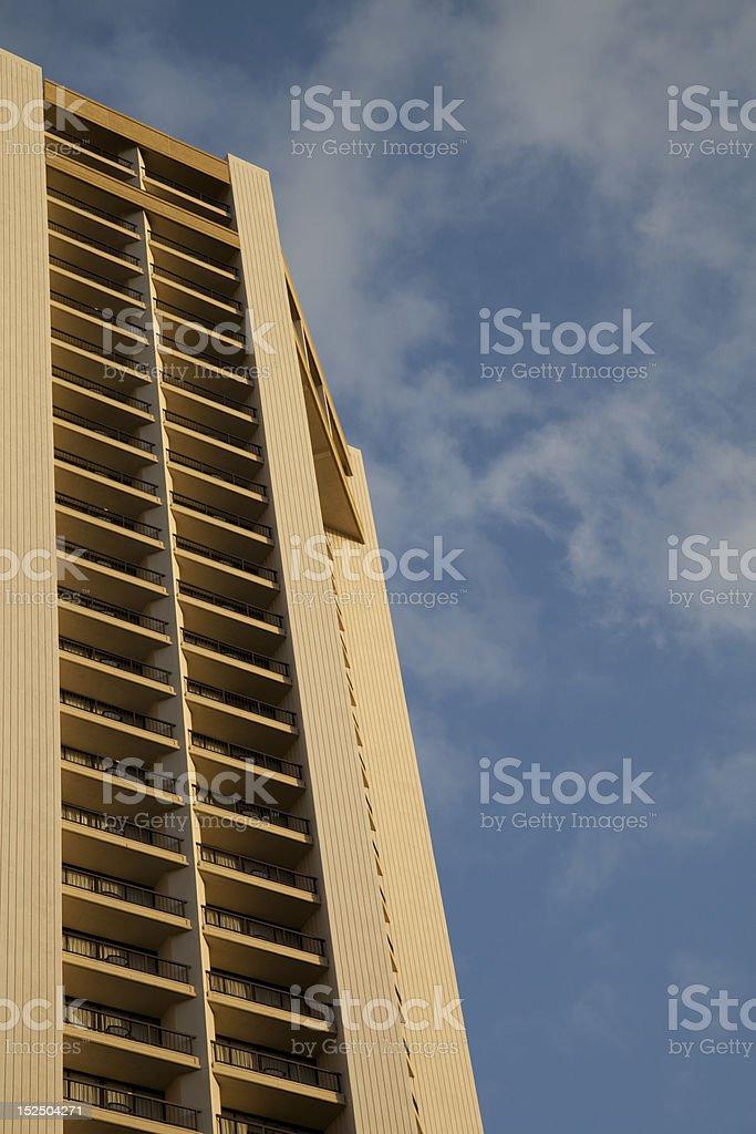 Hôtel avec vue sur le ciel photo libre de droits