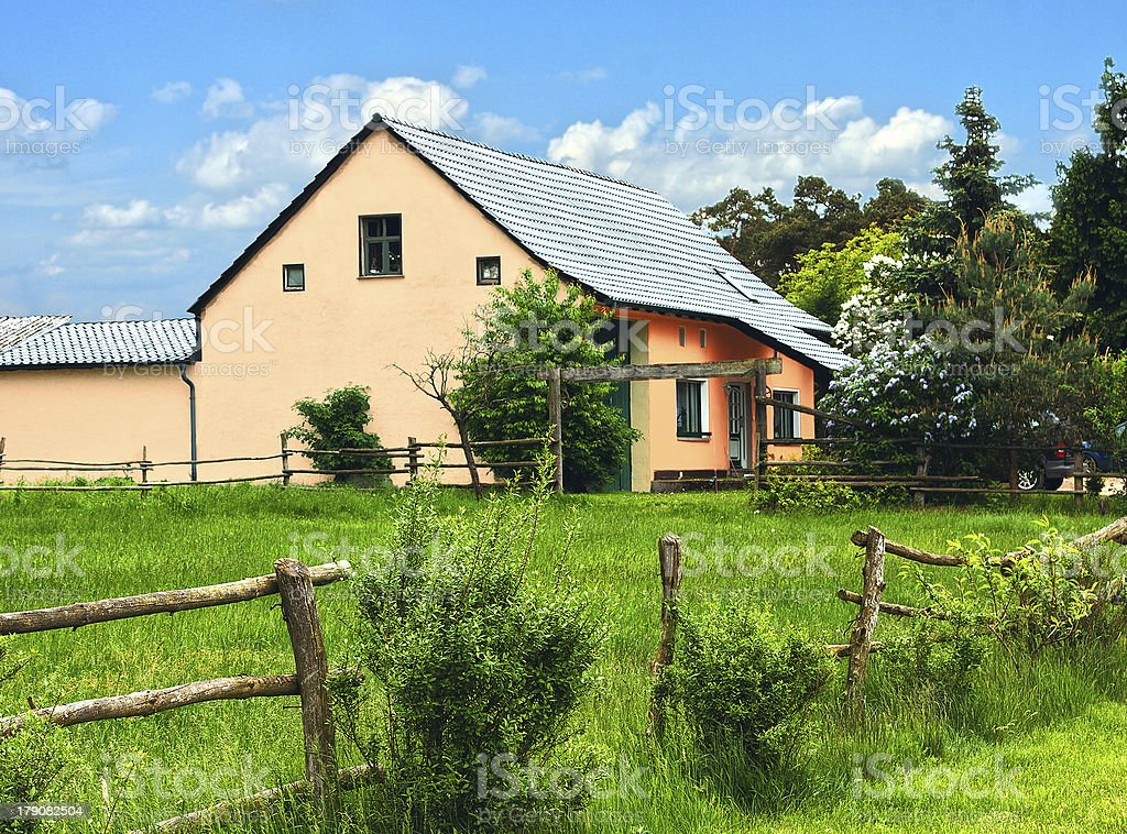 Haus im Gr?nen stock photo